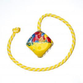 Pelota con forma de cubo con cuerda , 5cm